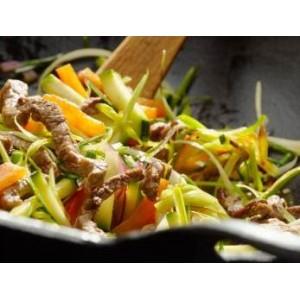Stir-fry z grillowanych polędwiczek i cukinii